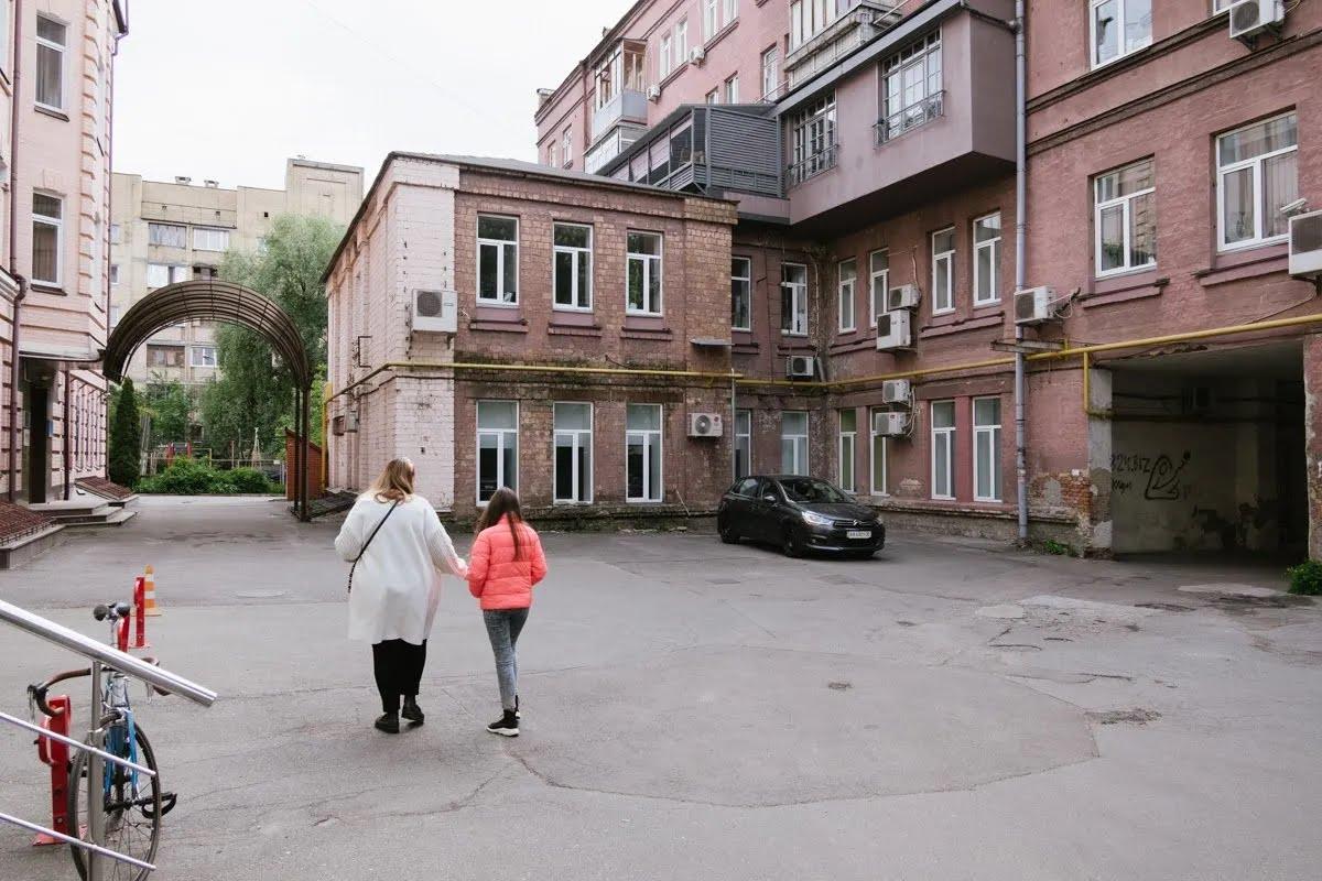 Руины на Бехтеревском переулке в Киеве