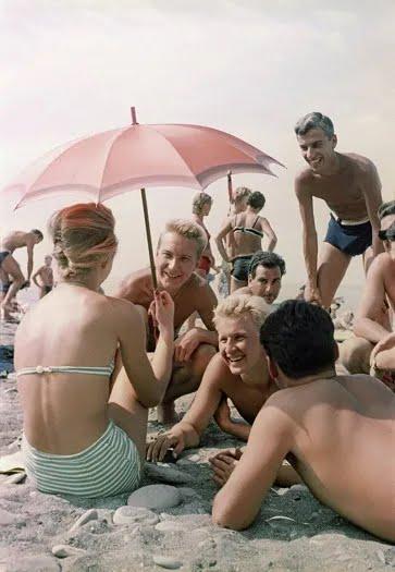Чим займалися на пляжах СРСР