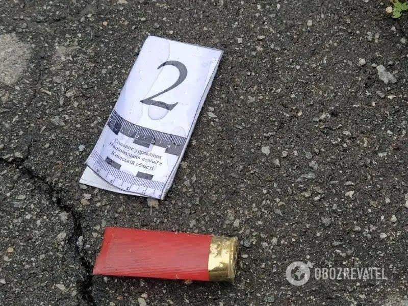 Фото с места стрельбы в Броварах