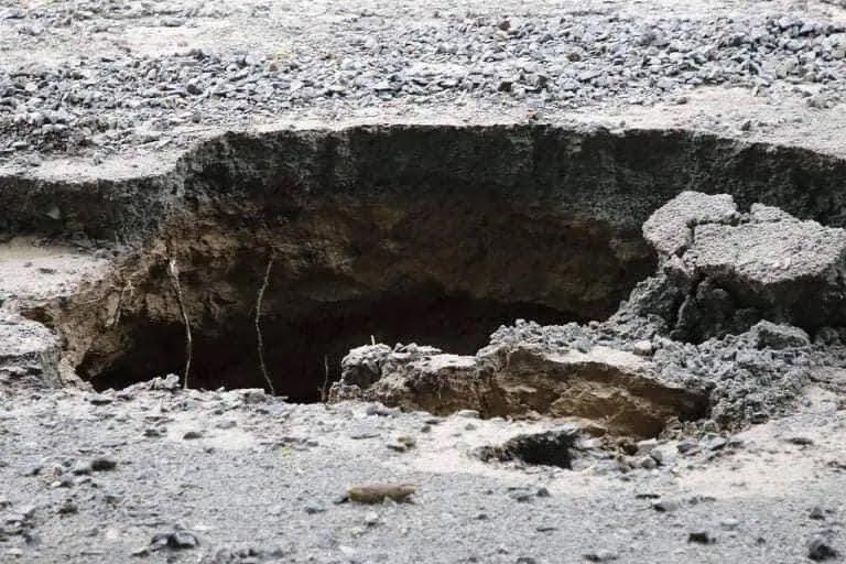 У Дніпрі сильна злива влаштувала потоп і руйнування