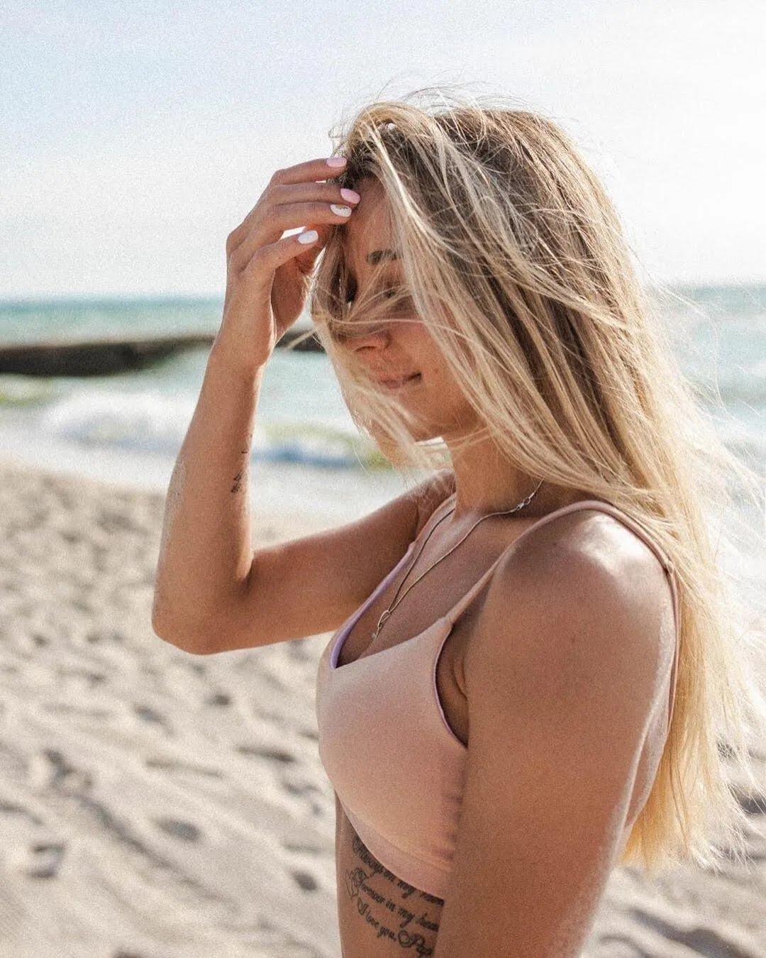 Анжеліка Терлюга взяла участь у спокусливій пляжній фотосесії