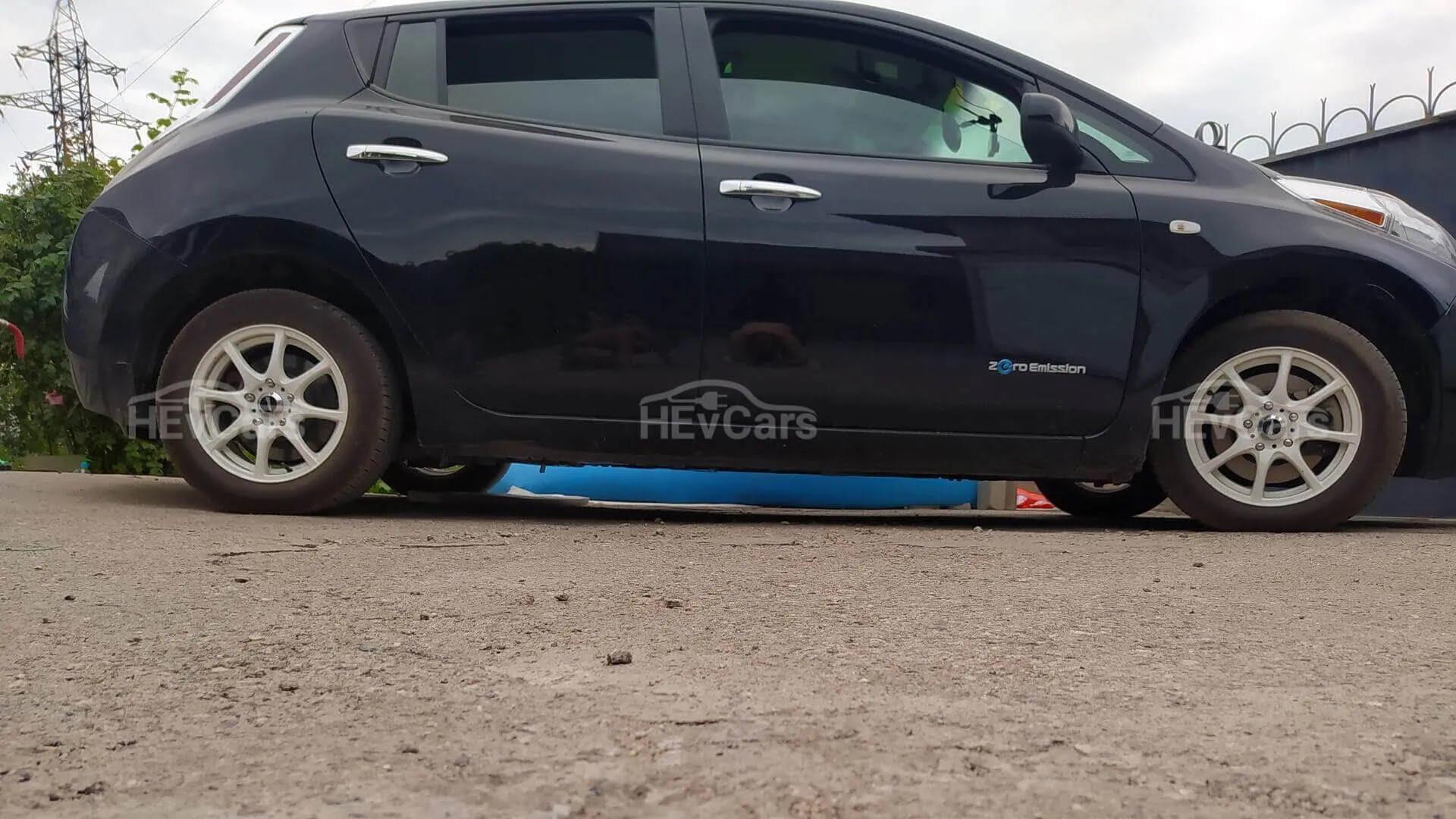 Nissan Leaf 2014 года с АКБ на 62 кВтч.