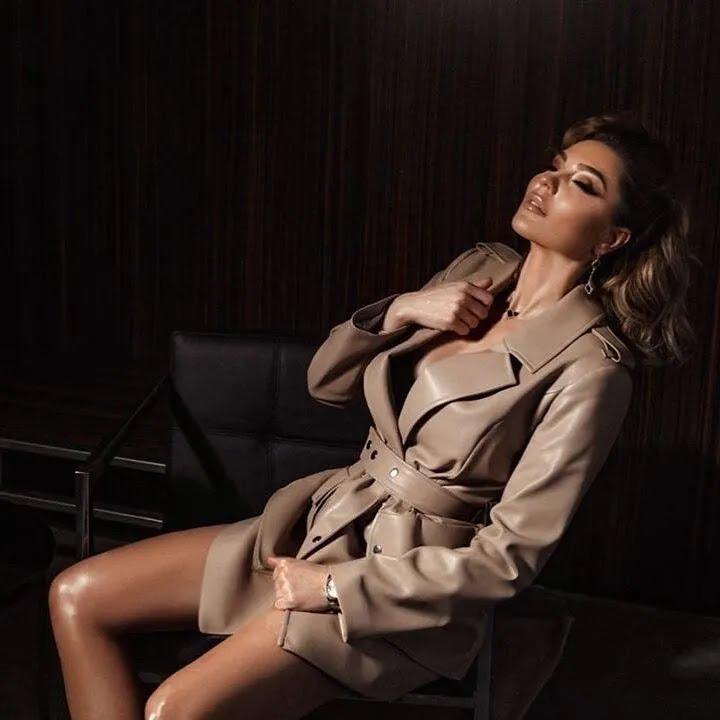 Марина Андрієнко в спокусливій вбранні