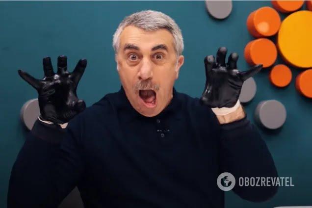Комаровський показав, як правильно мити руки