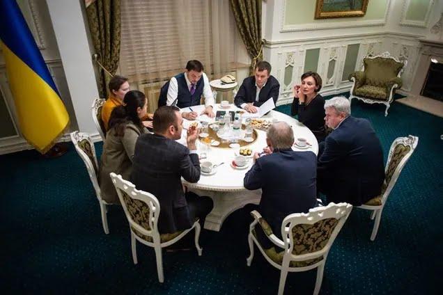 """Встреча в формате """"на кофе"""", на которой, возможно, был записан разговор"""