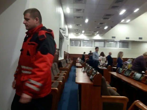 """Будівлю Київської міської державної адміністрації 10 грудня """"замінували"""""""