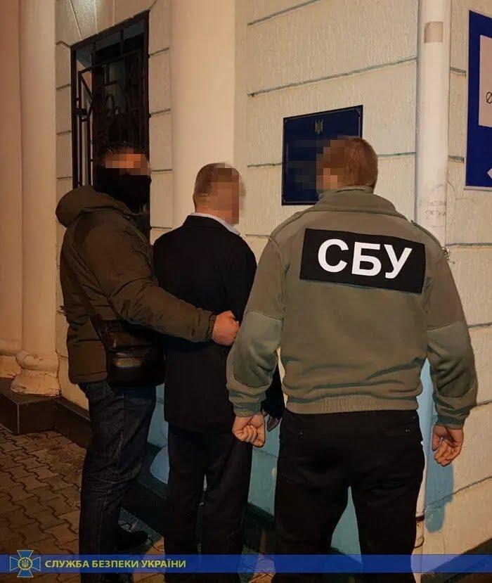 На Херсонщине СБУ поймала на взятке таможенника ГФС