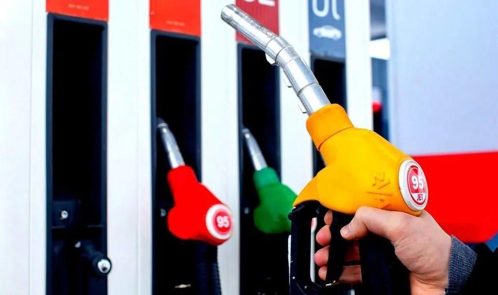 Ціни на бензин перестали падати