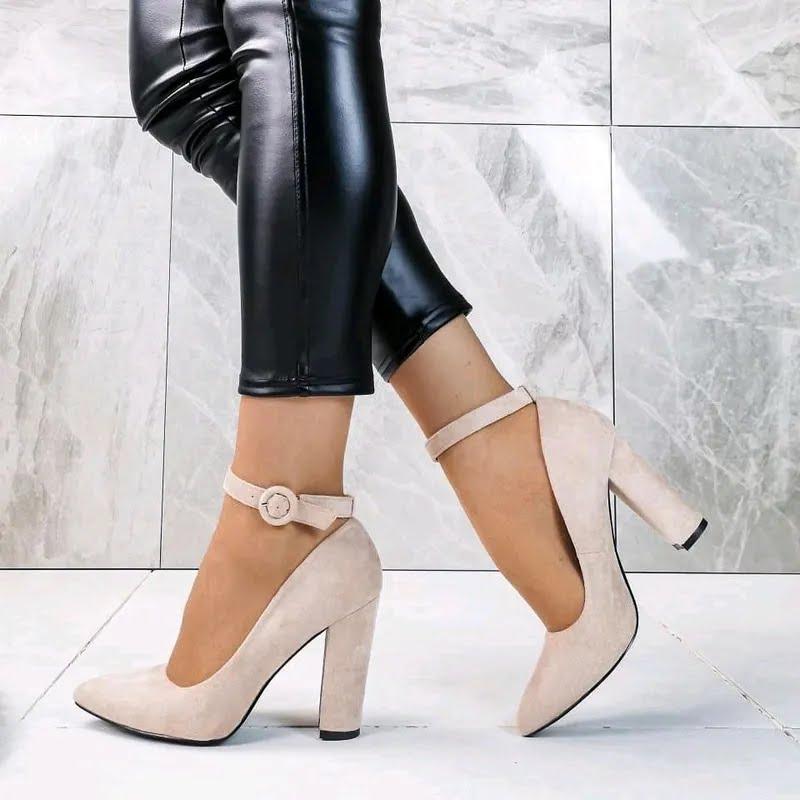 Туфли с устойчивым каблуком