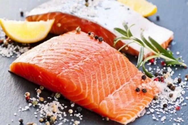 У рибі міститься багато корисних жирних кислот омега-3