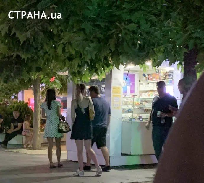 Богдана заметили в компании с блондинкой