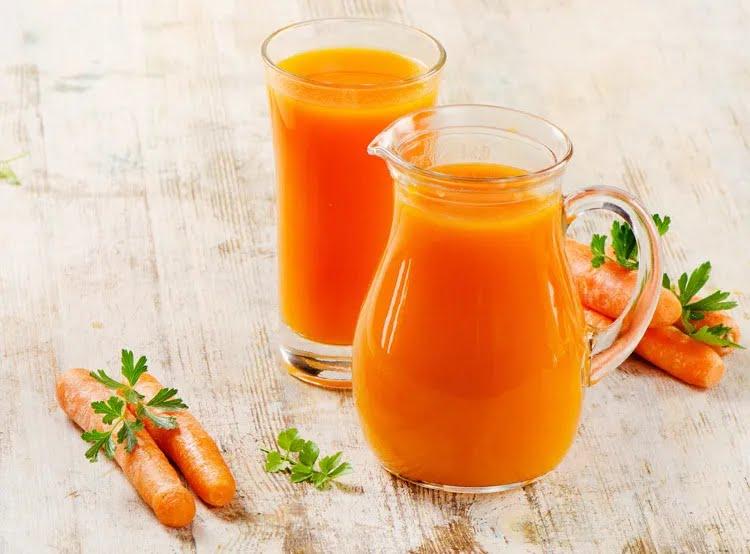 Стакан морквяного соку в день допоможе продовжити життя засмазі